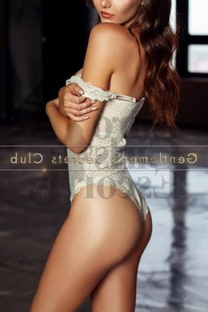 Louiza live escort in Watertown Town