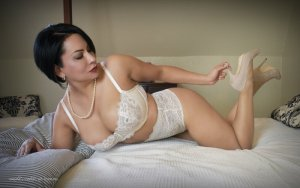 Rose-marie escort girl